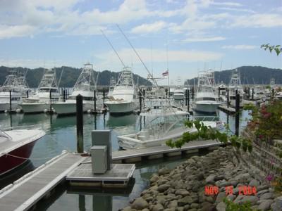 Marinas of Costa Ricas Pacific Ocean boats.JPG - small